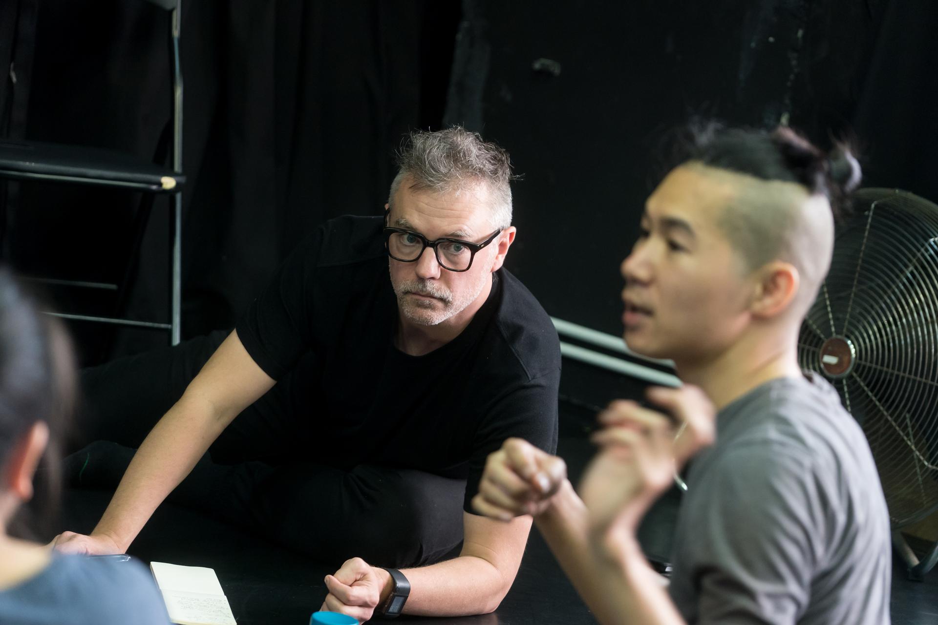 駐地聲音藝術家及作曲家彼得.萊納(左)與編舞及舞者盤彥燊(右)