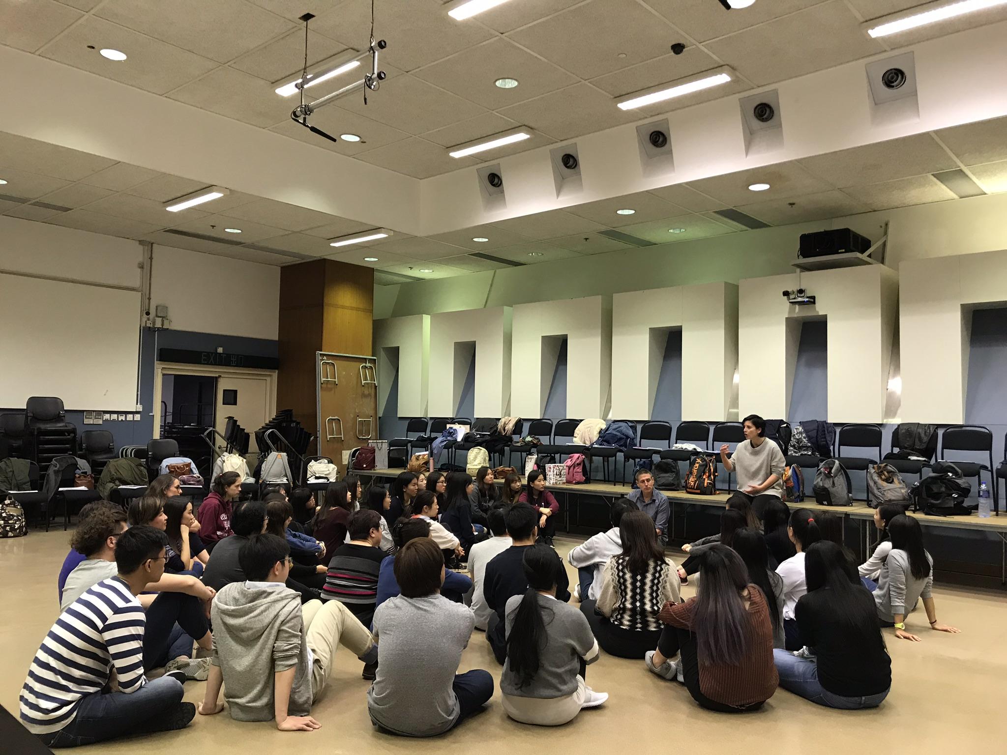 《祈願女之歌》的部份合唱演出者,來自香港的公開演出者招摹。