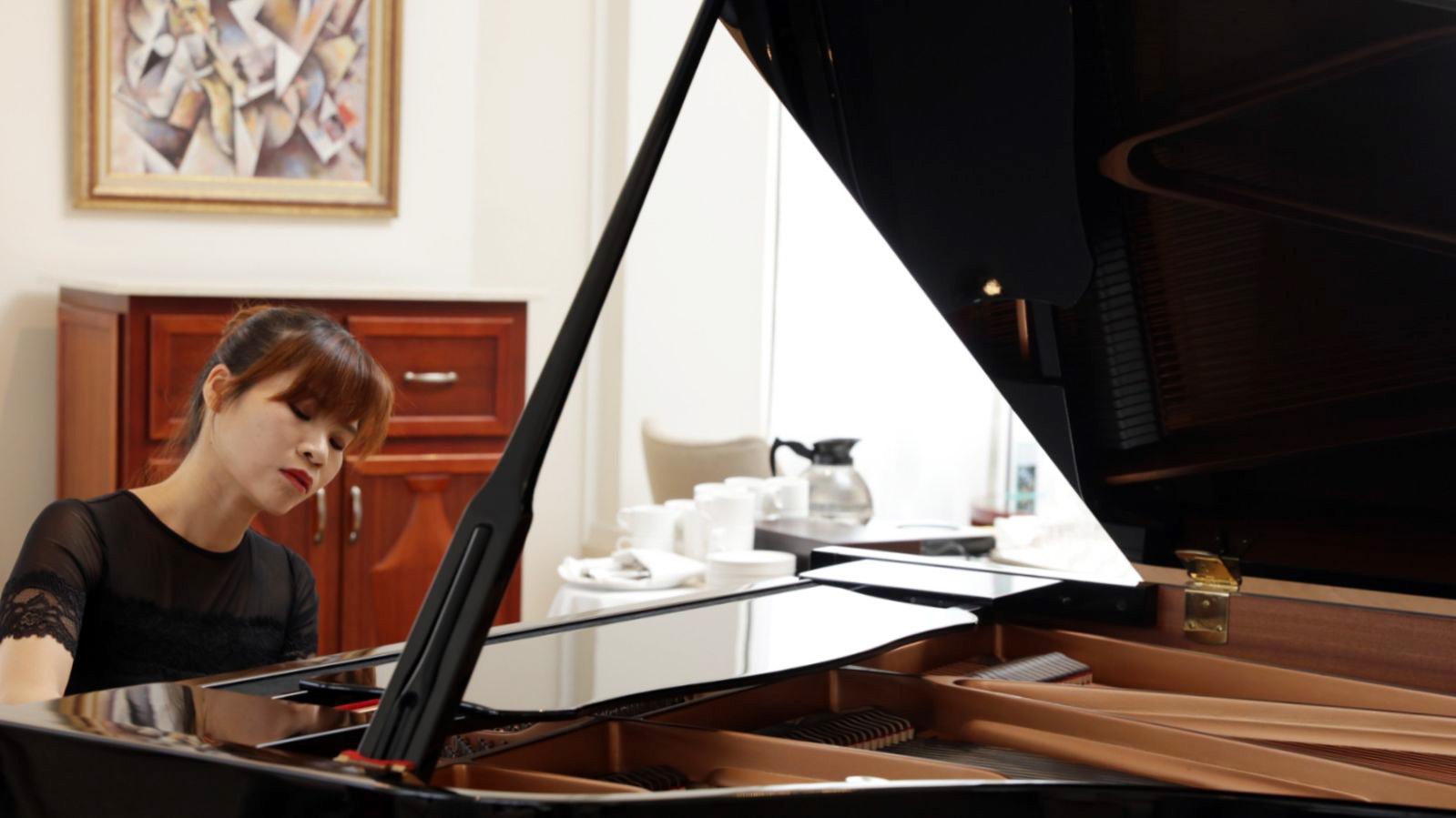 張緯晴並非那種炫技派的新生代樂手,演奏的感染力來自她對音樂的詮釋。