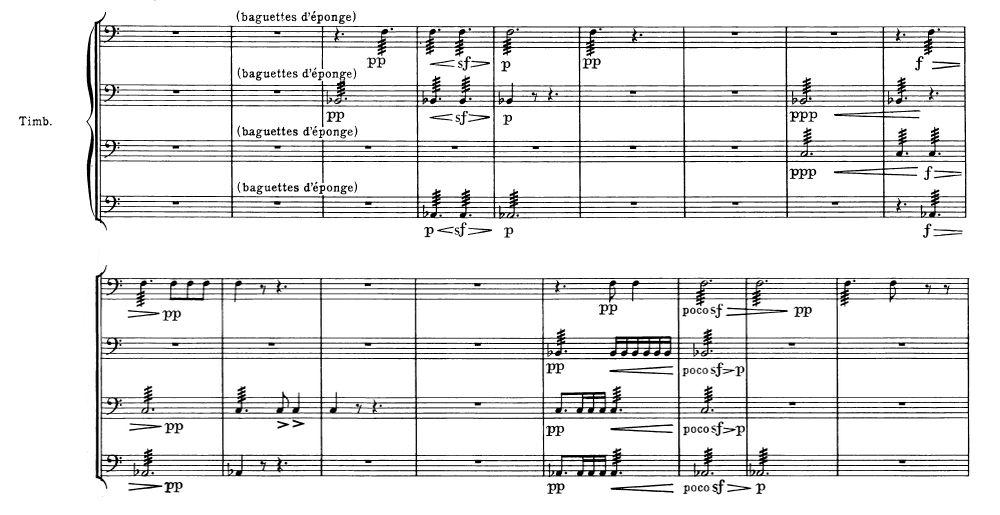 <center>《幻想交響曲》第三樂章模仿遠處的雷聲,四個定音鼓打出和弦。</center>