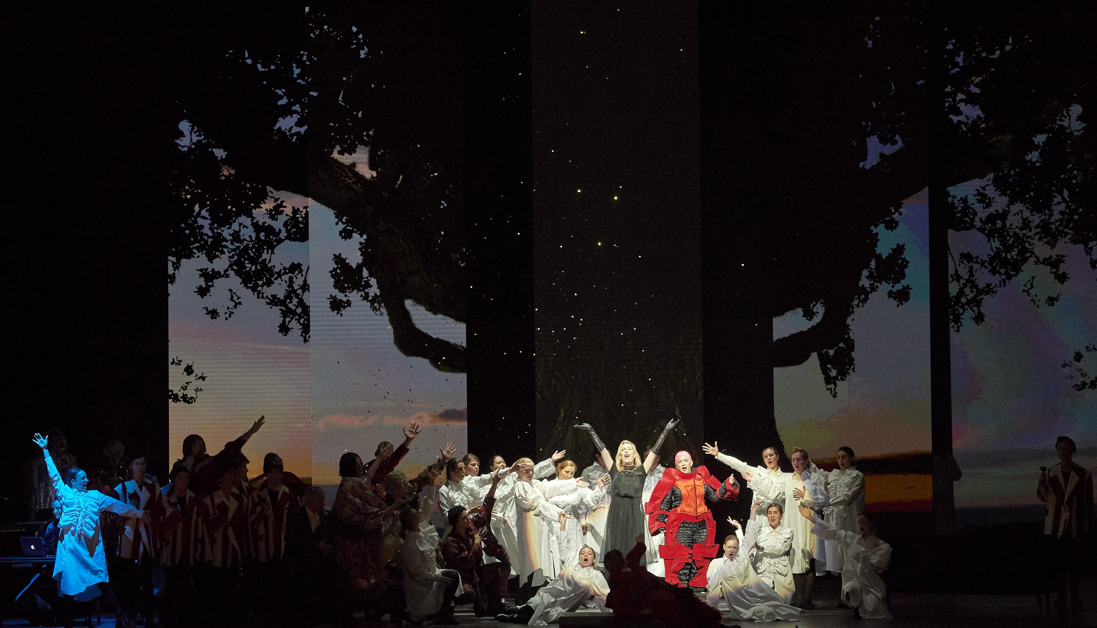 川久保玲為維也納國家歌劇院製作《奧蘭多》戲服 © Wiener Staatsoper / Michael Pöhn