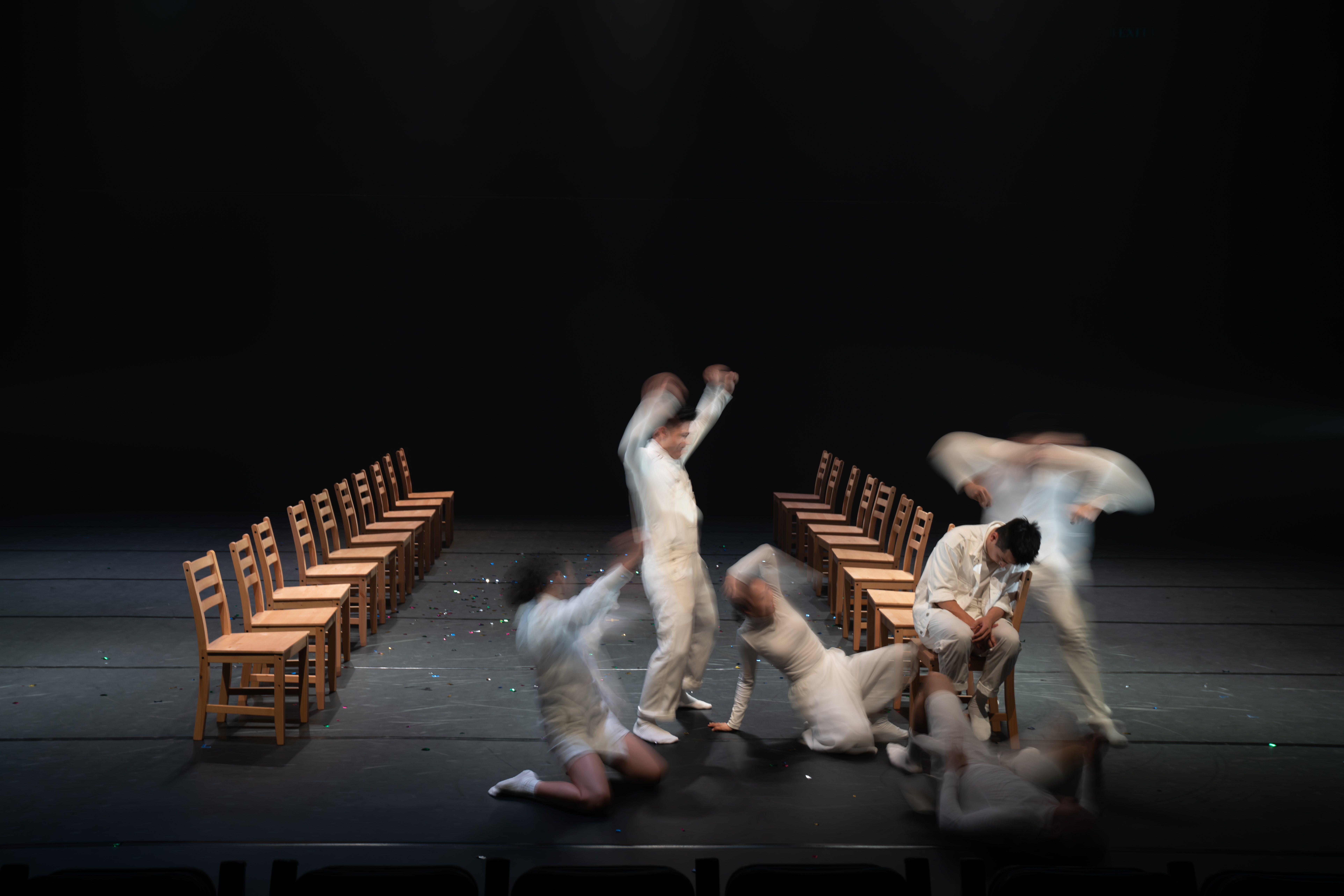 Two of the tenth edition programmes are the fruit of the cultural exchange between local and international dancers and choreographers—<i>Elephant in the Room</i>, co-choreographed by Chang Xiaoni (Beijing) and local dancers © Terry Tsang