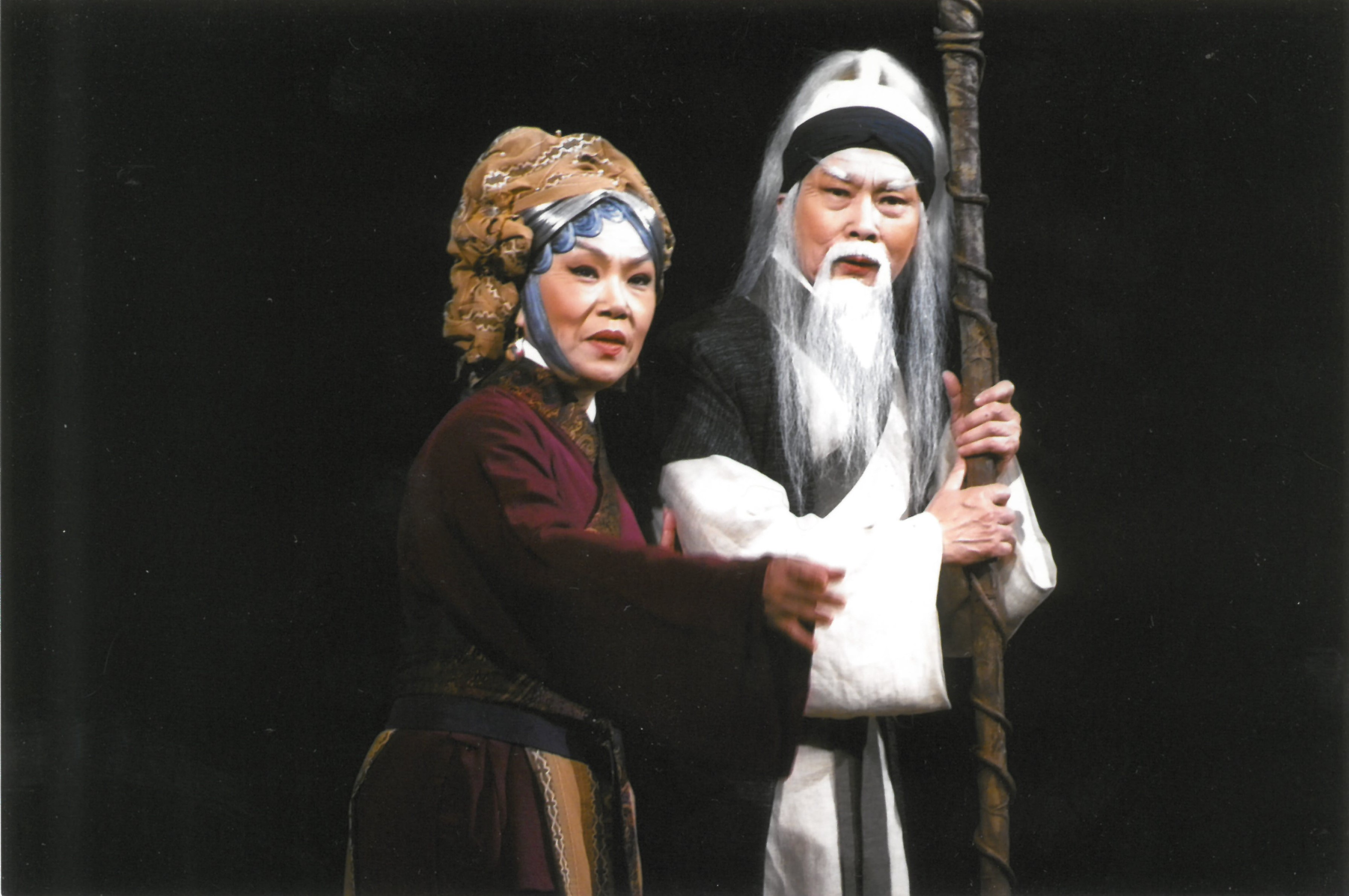 粵劇紅伶文千歲及梁少芯於2010年打造粵劇《挪亞方舟》,被譽為開創戲曲先河。
